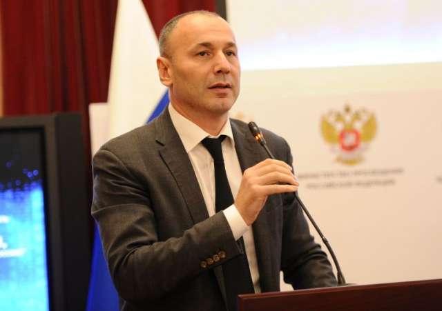 Руководитель Рособрнадзора и специалисты ведомства ответят на вопросы, касающиеся организации и проведения ЕГЭ и ГИА-9.