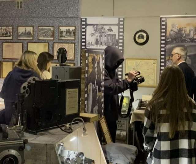 Блогеры провели в Новгородском киномузее два часа.