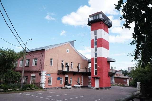 Морской центр капитана Николая Варухин (бывший Клуб юных моряков) существует с 1967 года.