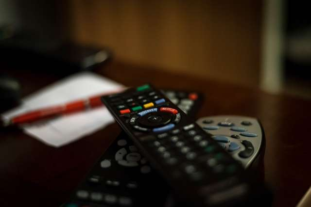 Россияне получат бесплатный доступ к телеканалам первого и второго мультиплексов в интернете.