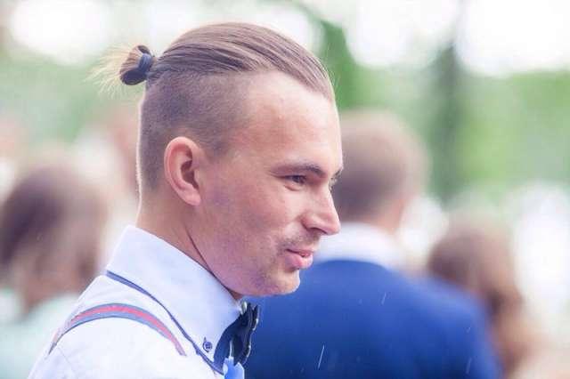Карьеру в областном театрально-концертном агентстве Василий Ян начал в 2018 году.