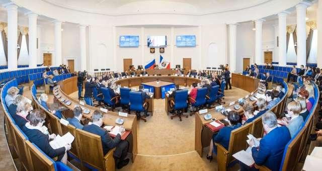 Планируется, что на первом заседании вновь избранного регионального парламента депутаты изберут и сенатора от областной думы.