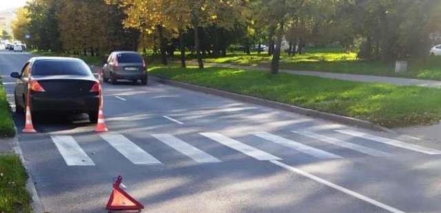 В Новгородской области на «зебрах» в ДТП пострадали девушка и пенсионерка