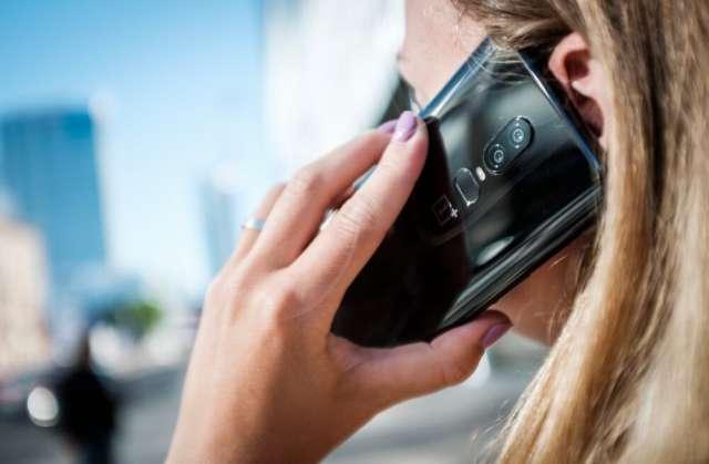 После того, как новгородка попросила выдать ей кредит в таком размере, настоящий банковский работник объяснил, что по телефону она говорит с мошенником.
