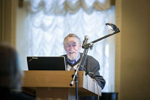 С 1986 по 2004 годы Валерий Большаков жил и работал в Великом Новгороде.