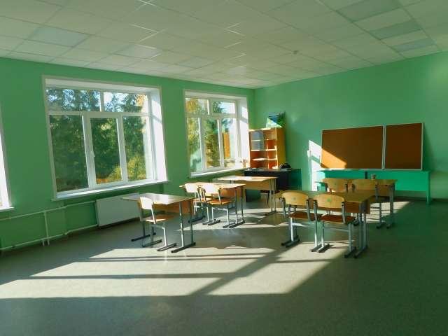 В зданиях Новоселицкой средней школы сделан ремонт крыши, установлены новые окна, заменены инженерные коммуникации, обновлена столовая