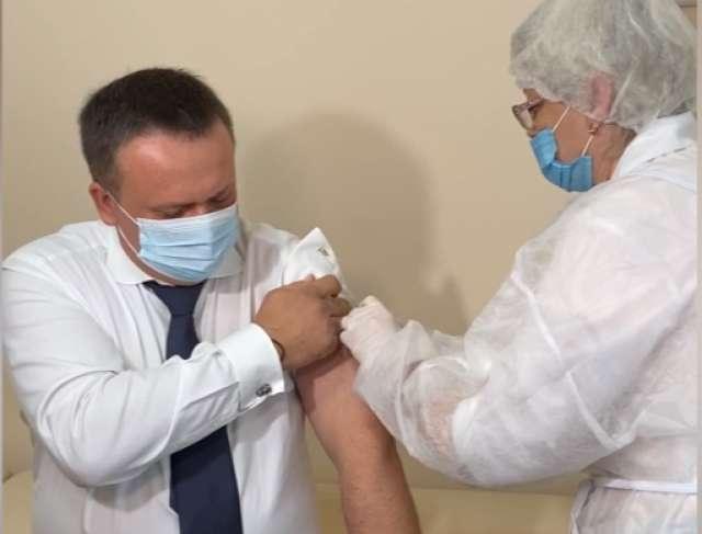 Андрей Никитин сделал прививку от гриппа