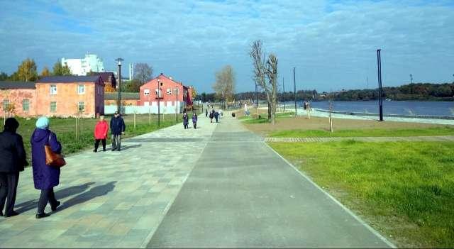 Протяжённость Софийской набережной – 1,5 километра.