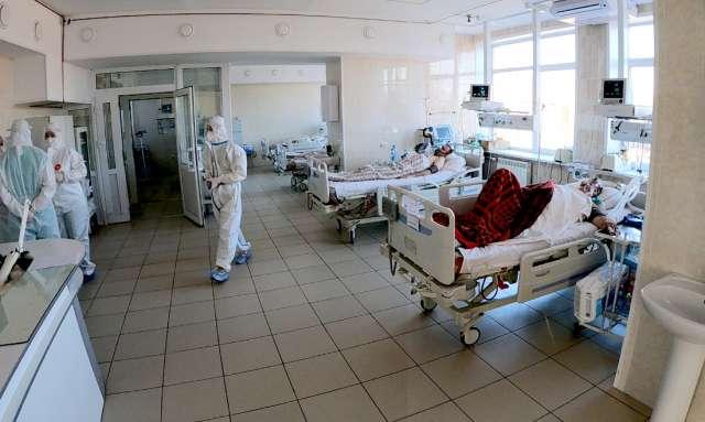 Для госпитализации ковидных больных задействованы все помещения, в том числе ординаторские, сестринские и столовые.