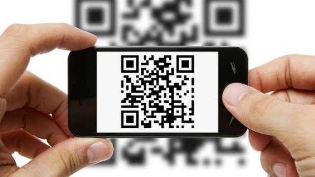 Если данные QR-кода посетителя соответствуют данным в паспорте, ему разрешают вход в ресторан.