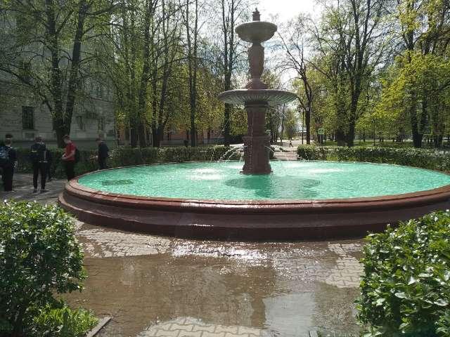 По мнению архитекторов и горожан фонтан нуждается в реставрации