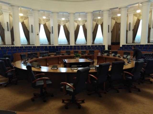 Состав комитетов и их руководство будут утверждены на заседании облдумы 27 октября.