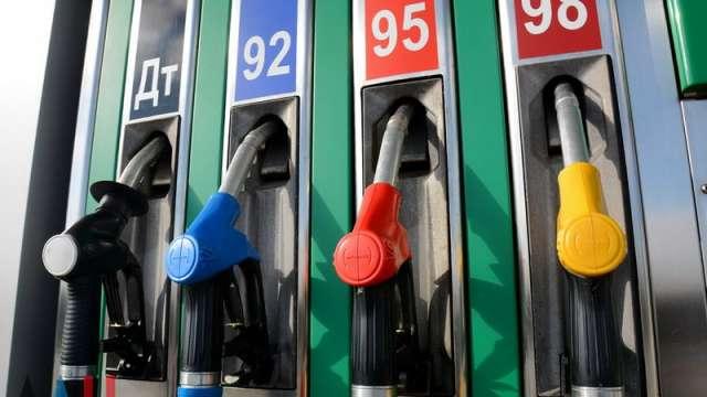 За сентябрь стоимость одного литра автомобильного бензина в регионе уменьшилась на 21 копейку.