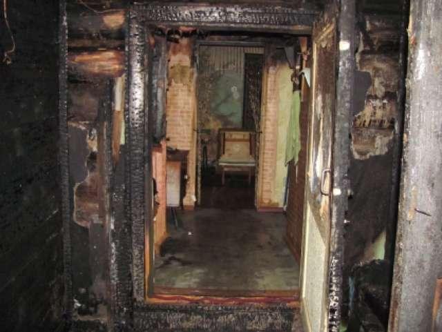 Пьяный житель Марёво поджёг дом сожительницы, зная, что внутри находятся люди
