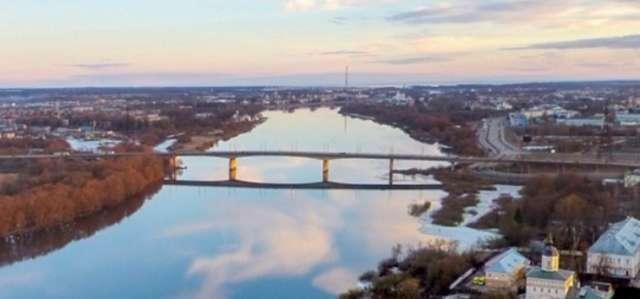 Сергей Даревский пригласил в эфир 1 ноября мэра Великого Новгорода, чтобы обсудить итог длительного ремонта.