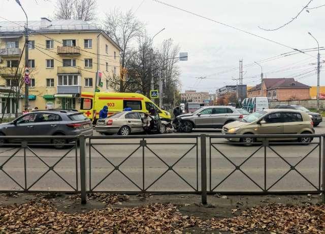 Три аварии с пострадавшими произошли в областном центре