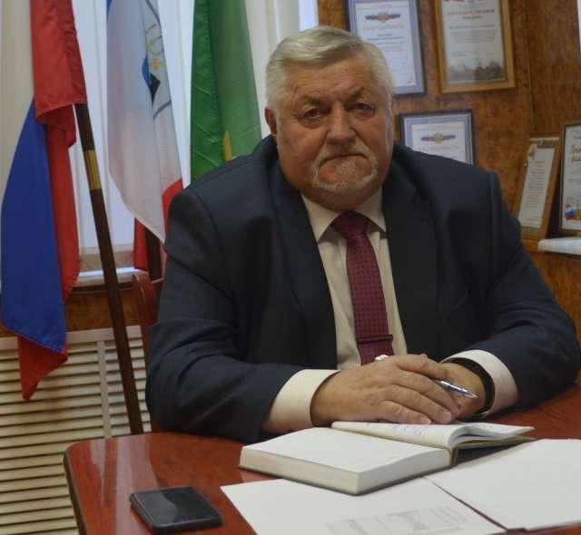 Глава Маловишерского района Николай Маслов на своей странице в соцсети высказал мнение по поводу ограничительных мер, принимаемых сейчас властями региона.